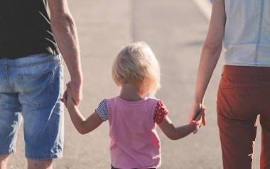 W Sejmie i Senacie przegłosowano ustawę o rodzicielskim świadczeniu uzupełniającym. Teraz podpisał ją prezyent