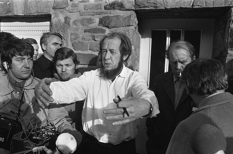 Sołżenicyn w siedzibie Fundacji Heinricha Bölla w Kolonii. 14 lutego 1974