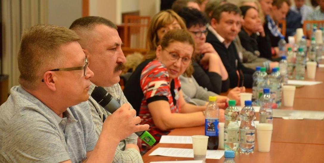 Mieszkańcy zarzucają radnym upolitycznienie ich działań