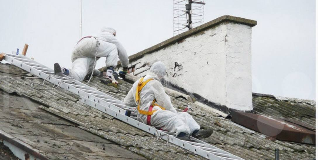 W gminie Rzgów azbest zdejmą z dachów i zabiorą z działki