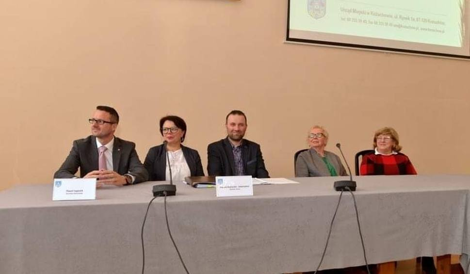 Film do artykułu: W Kożuchowie powołana została Rady Seniorów Gminy. Podczas pierwszego posiedzenia wybrano zarząd rady [ZDJĘCIA]