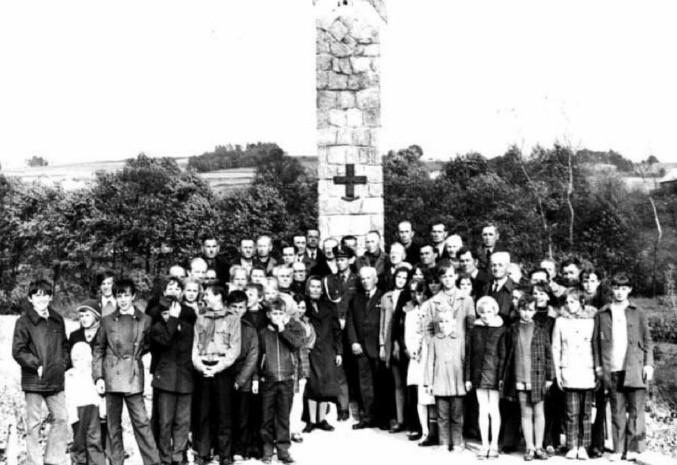 24 lipca 1966 roku odbyło się odsłonięcie pomnika Partyzanta Armii Krajowej upamiętniającego brawurową akcję.