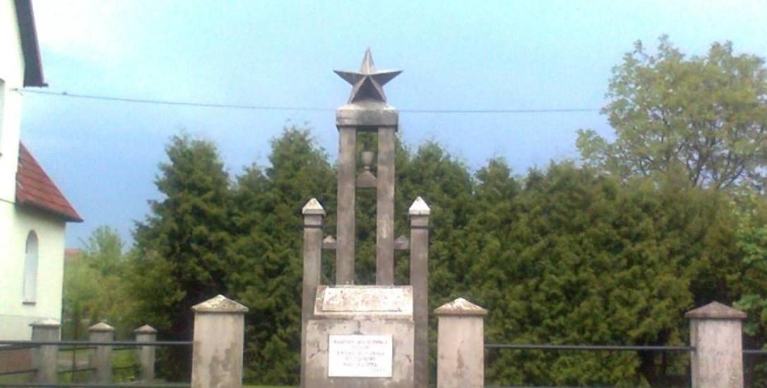 """Pomnik """"bohaterów Armii Czerwonej"""" jeszcze czeka na decyzję wojewody ws. rozbiórki"""