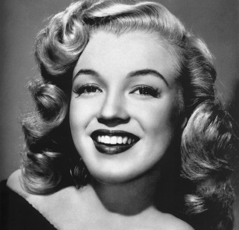 Dwudziestokilkoletnia letnia Marilyn Monroe
