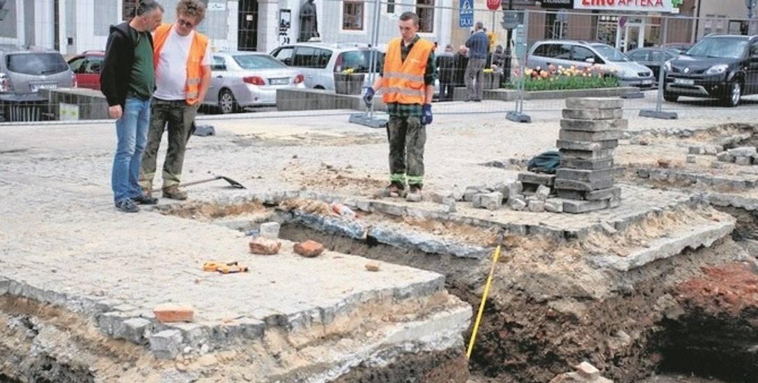 Wiosną 2017 roku archeolodzy poszukiwali na Rynku śladów dawnego ratusza. W tym roku prace będą kontynuowane