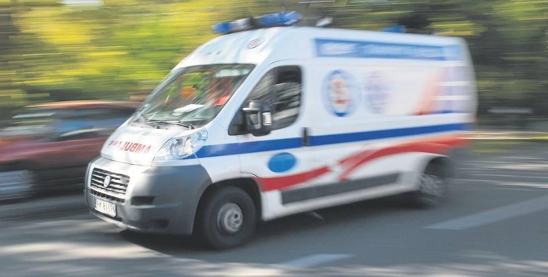 Policjanci z Ostrowi natychmiast podjęli reanimację. - Zrobili to wzorowo - ocenia lekarz pogotowia