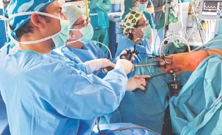 Krakowscy lekarze dokonali przełomu w operowaniu raka