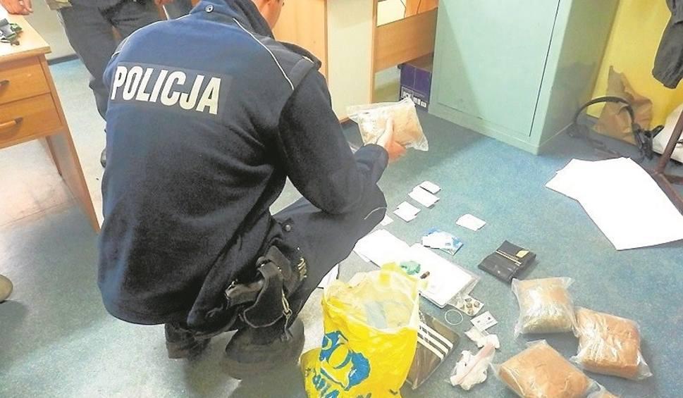 Film do artykułu: Koneccy policjanci przechwycili trzy kilo marihuany i amfetaminę