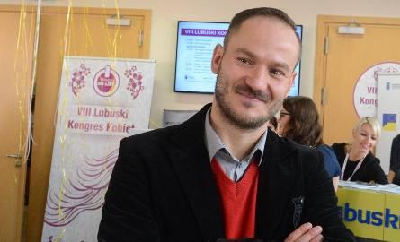 """Radosław Brodzik z Zielonej Góry. Anioł ciągle w biegu. Współzałożyciel stowarzyszenia """"My zielonogórzanie"""". Jest wiceprzewodniczącym,"""