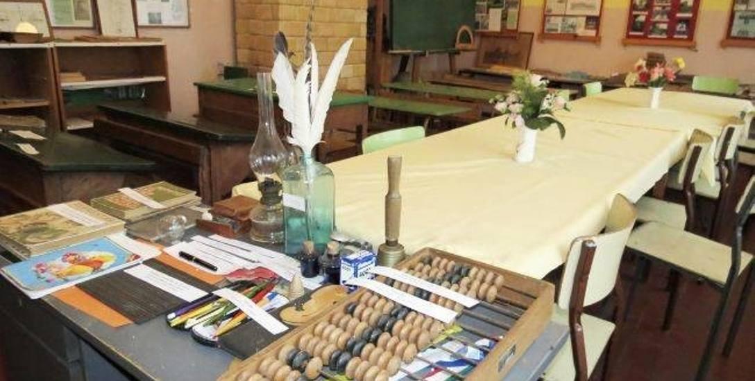 Fragment ekspozycji w Gminnej Izbie Tradycji i Pamięci  w Kuśnierzu
