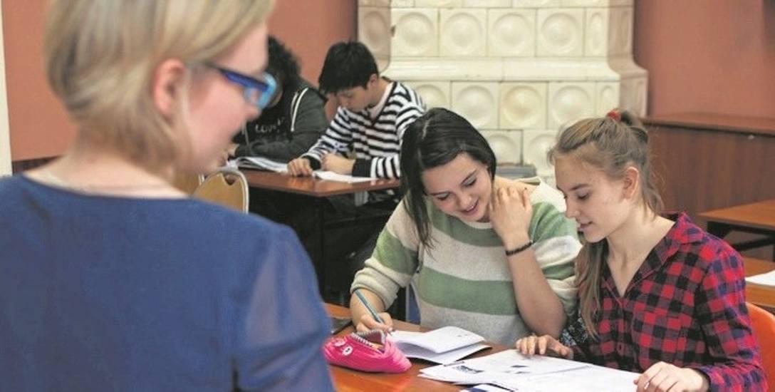 Nauczyciele dyplomowani także mają podlegać obligatoryjnej ocenie co trzy lata. Uzyskanie najwyższej noty nie będzie łatwe.
