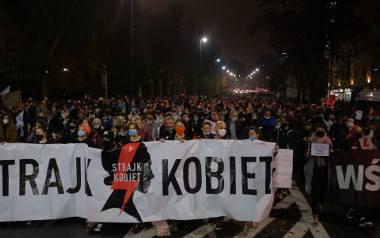 W piątek w Warszawie kobiety protestowały przeciwko zaostrzeniu prawa dotyczącego aborcji