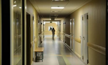 Operacja przyszywania dłoni trwała siedem godzin. Chłopiec spędził w szpitalu w Szczecinie trzy tygodnie.