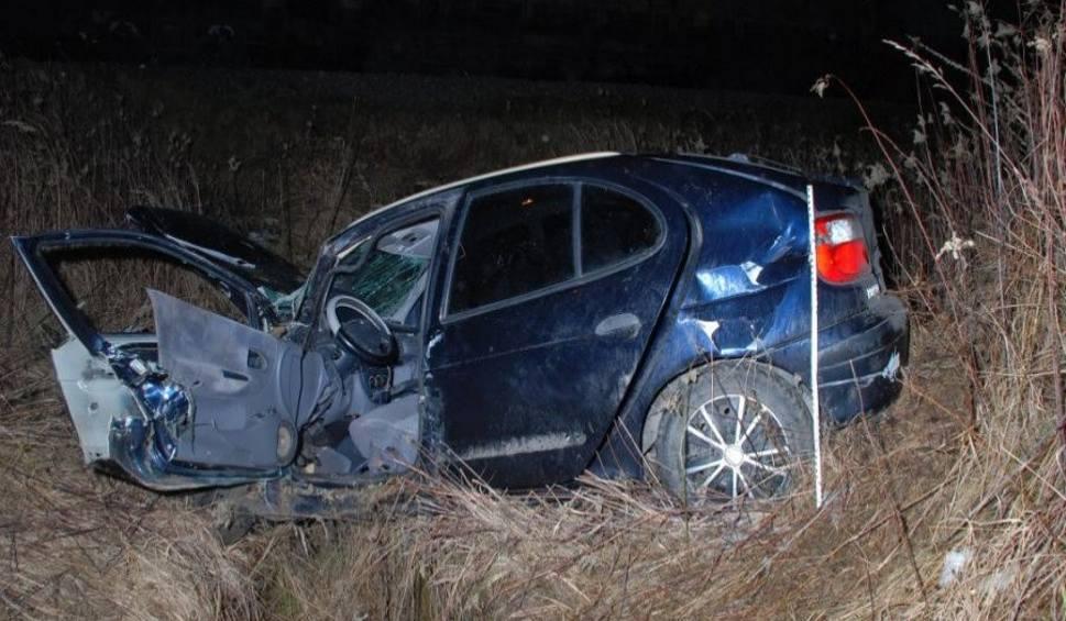 Film do artykułu: Bojanów. Zderzenie auta z pociągiem. Dwie osoby ranne