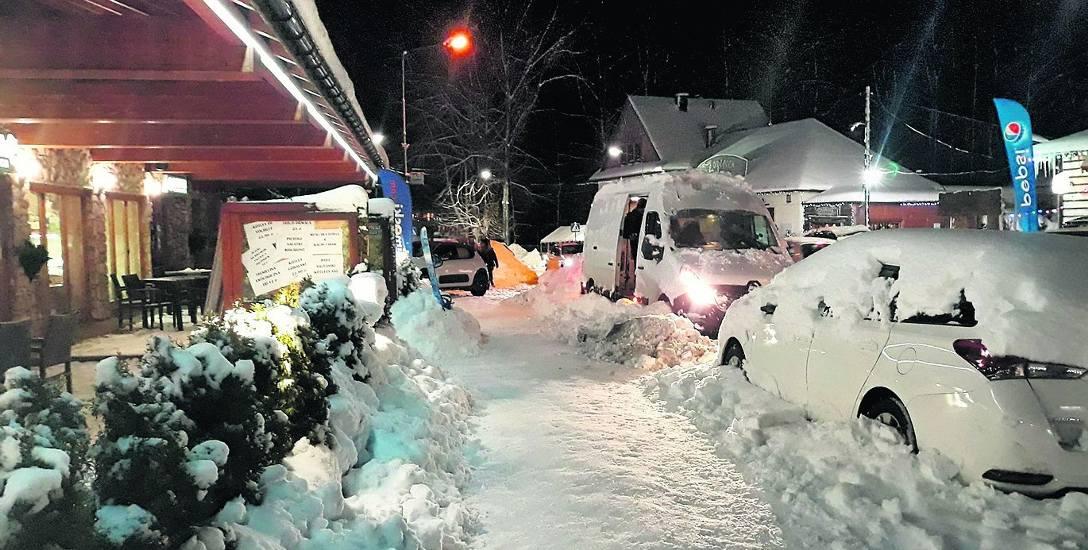 Śnieg to tylko jeden z problemów Szczyrku. Poważniejszym jest natłok samochodów przejeżdżających przez tę miejscowość