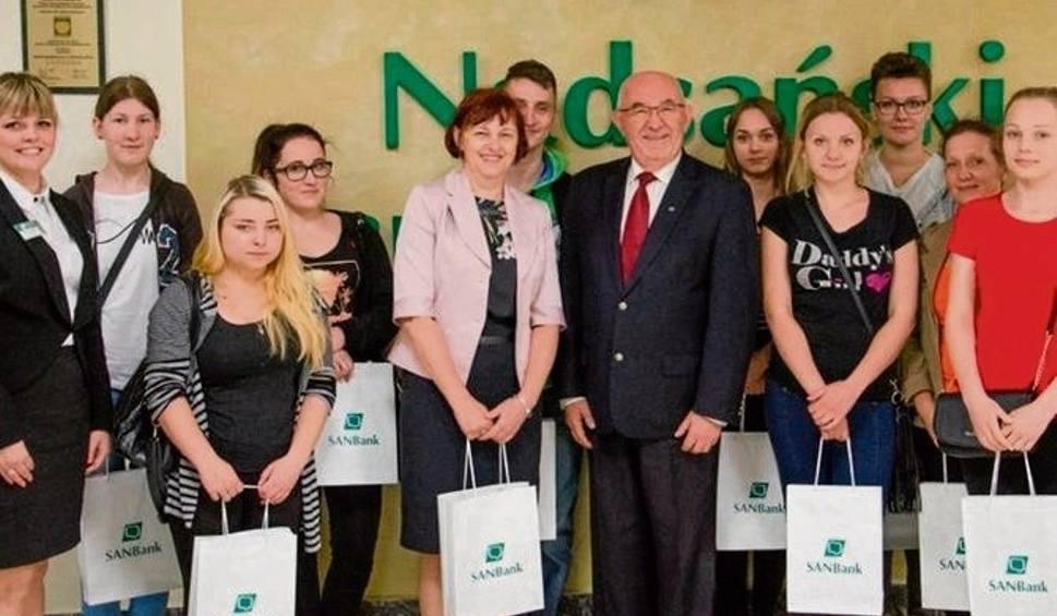 Film do artykułu: Uczniowie z Niska odwiedzili bank