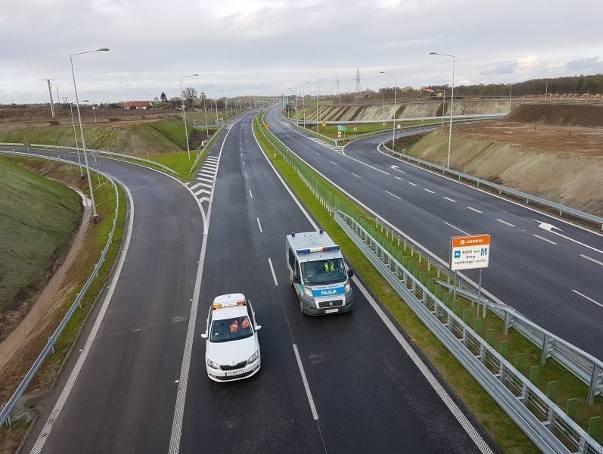 Według założeń oddanie do użytku ostatnich odcinków drogi ekspresowej S11 z województwa śląskiego przez Opolszczyznę do Kołobrzegu ma być możliwe w 2028