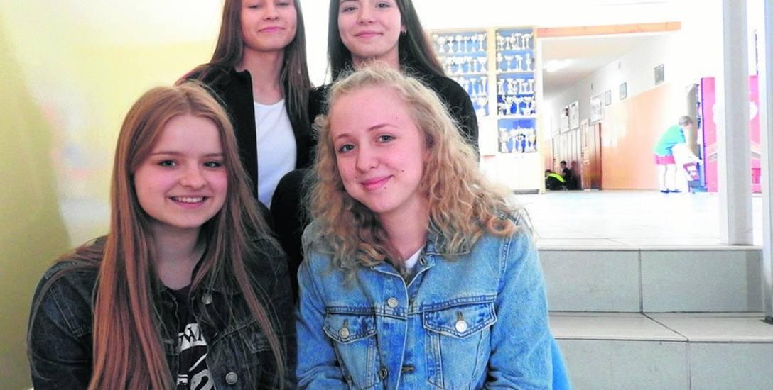 Aleksandra Piwowarczyk, Gabriela Szymańska, Weronika Rybnik i Zuzanna Rutkowska uważają, że będzie im wygodniej dojeżdżać do szkoły.