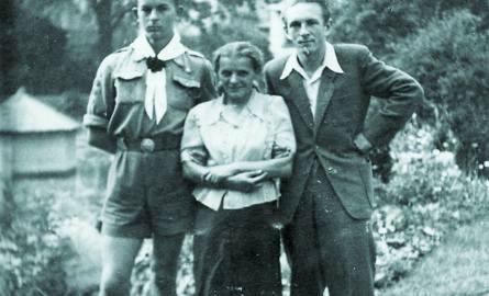Bohdan z mamą, która była nauczycielką i kolegą Zychem