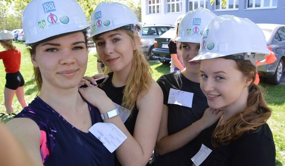 """Film do artykułu: Bieg w Kasku i akcja """"Dziewczyny na politechniki"""" w Opolu [wideo, dużo zdjęć]"""