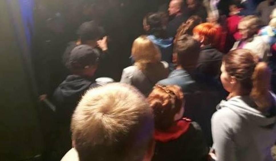 Film do artykułu: Koncert disco polo w Lipnie przerwany. Piękni i Młodzi oraz inni artyści nie otrzymali pieniędzy