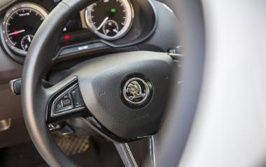 Aluminiowe obręcze, sportowe siedzenia, aktywne zawieszenie, czyli elementy zwiększające radość z jazdy