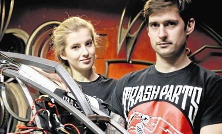 Paulina Staniszewska i Kamil Stysiak to zgrany tandem, który spełni marzenie pasjonatów rowerów-cruiserów o elektrycznym napędzie ich stylowych poja