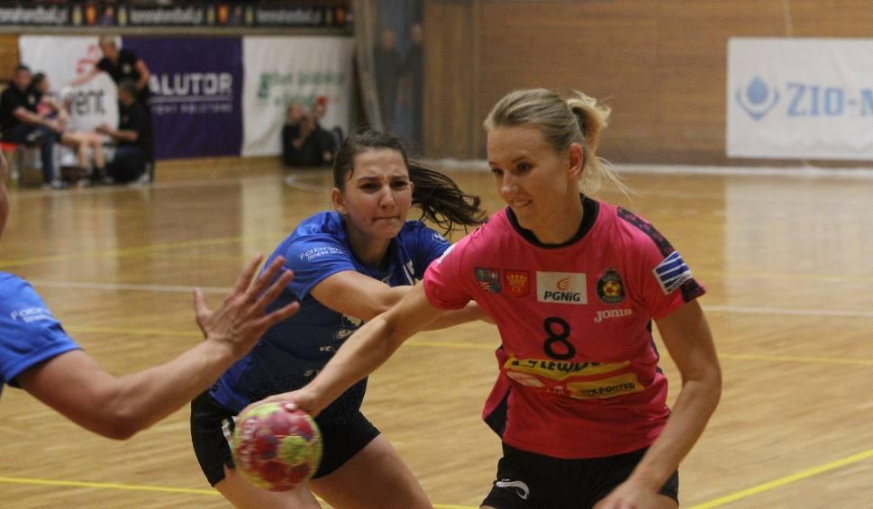 Film do artykułu: Wyraźna porażka piłkarek ręcznych Korony Handball Kielce z mistrzyniami Polski
