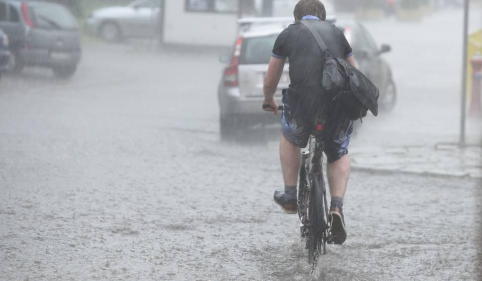 Film do artykułu: Pogoda w Opolu i na Opolszczyźnie. Możliwe burze z gradem [OSTRZEŻENIE]