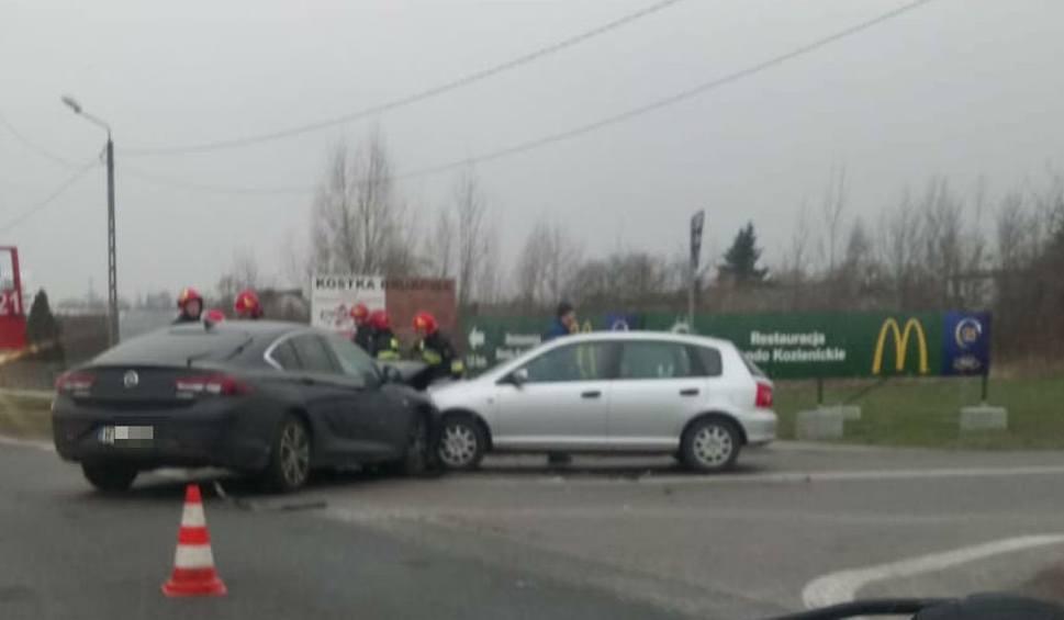 Film do artykułu: Trzy uszkodzone samochody, poszkodowana kobieta w porannym wypadku w Rajcu Szlacheckim