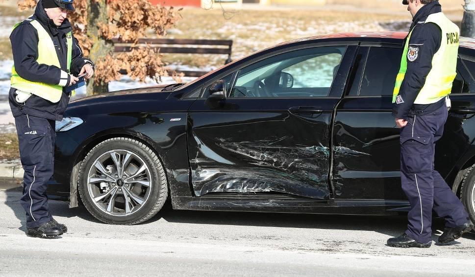 Film do artykułu: Znowu zderzenie aut na newralgicznym skrzyżowaniu w Stalowej Woli