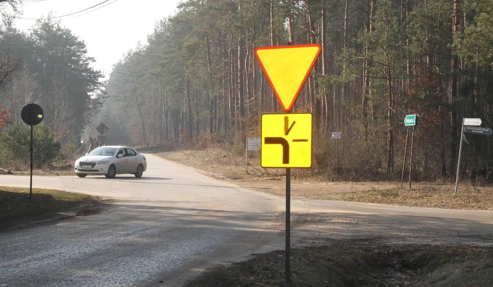Film do artykułu: W Marzyszu znaki drogowe mogą doprowadzić do nieszczęścia!