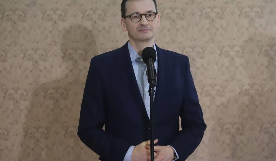 """Film do artykułu: Premier Morawiecki w regionie radomskim chwali się efektami """"piątki Morawieckiego"""""""