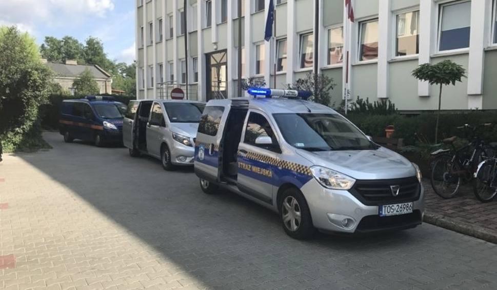 Film do artykułu: Mężczyzna, który groził prezydentowi Ostrowca Jarosławowi Górczyńskiemu został zatrzymany przez policję
