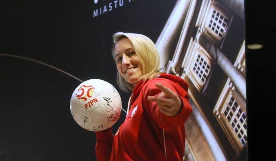 Film do artykułu: Katarzyna Kiedrzynek dołączy do Ewy Pajor. Bramkarka reprezentacji Polski podpisała trzyletnią umowę z VfL Wolfsburg