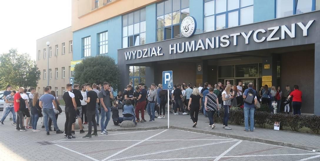 Uniwersytet Szczeciński jest największą uczelnią w Szczecinie. Przyciąga studentów przede wszystkim filologiami i naukami ekonomicznymi oraz psychol