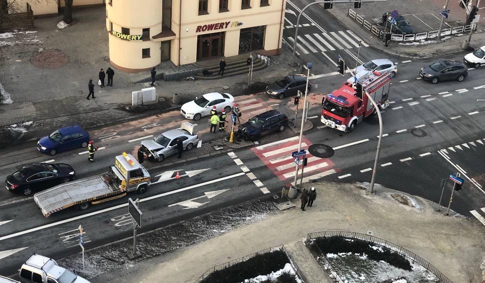 Film do artykułu: Kolejny wypadek na ulicy Dąbrowskiego w Rzeszowie [ZDJĘCIE INTERNAUTY]