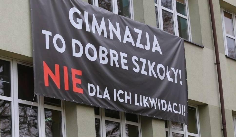 Film do artykułu: Reforma edukacji w powiecie mikołowskim: Jakie czekają zmiany na uczniów?