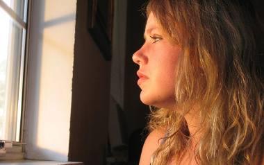 Menopauza 20-latek. Dlaczego młode kobiety przechodzą menopauzę? Jak leczyć przedwczesną menopauzę?