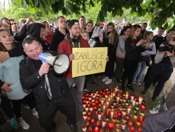 Protest pod komisariatem przy ul. Trzemeskiej