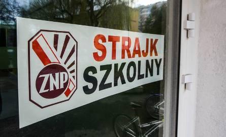 Strajk nauczycieli w Świętokrzyskiem. Te szkoły będą zamknięte 8 kwietnia! (LISTA)