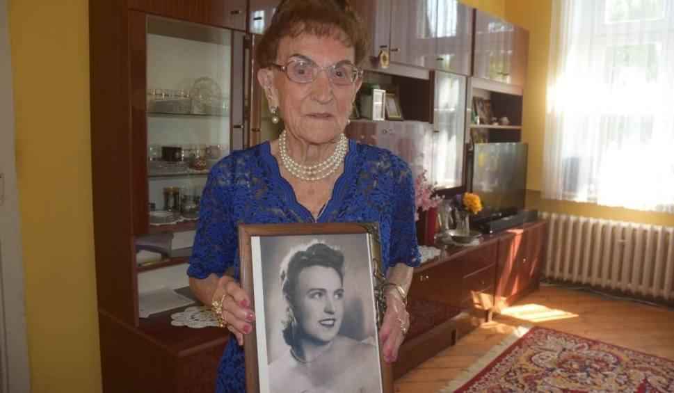 Film do artykułu: Pani Joanna kończy 100 lat, a nawet ratownicy medyczni zazdroszczą jej wyników
