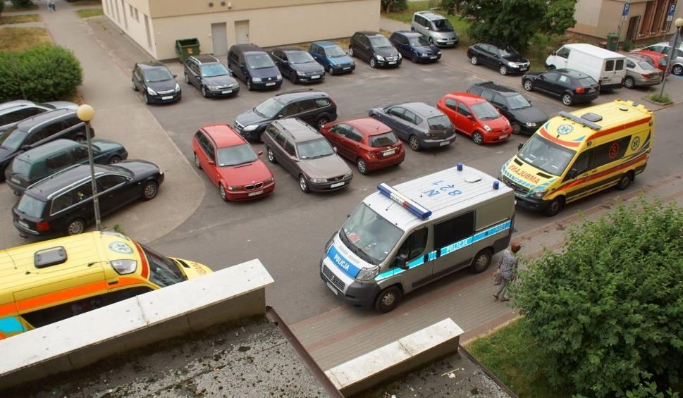 Film do artykułu: Tragedia przy ulicy Romera w Słupsku. 3-latek, który zatrzasnął się w pralce nie żyje. Aktualizacja 19.06.2018
