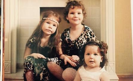 To zdjęcie sprzed paru miesięcy. Stefania jest najstarsza. Basia ma 5 lat, a Agnieszka 1,5 roku.