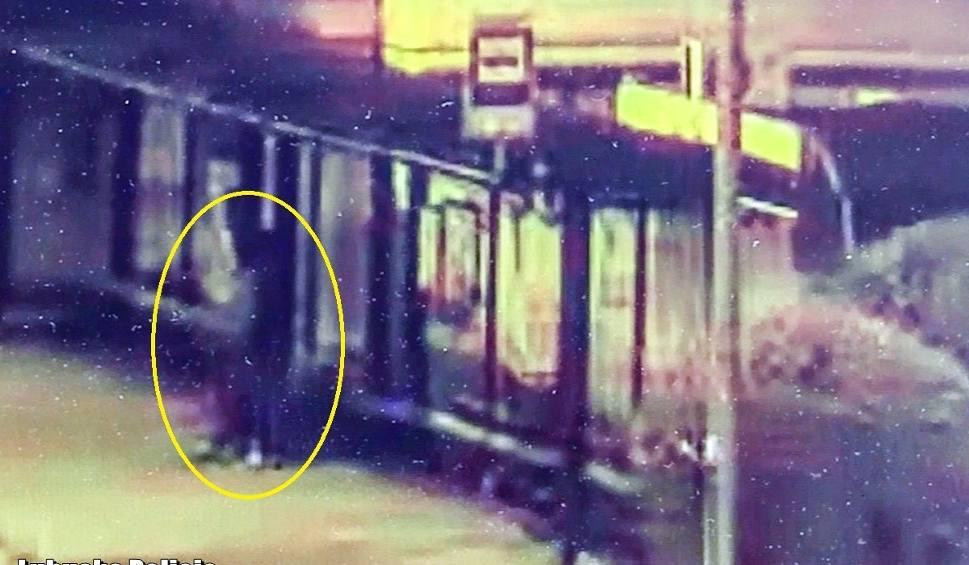 Film do artykułu: Włamywacze przyłapani na gorącym uczynku. Zostali zauważeni na monitoringu i zatrzymani przez policjantów [ZDJĘCIA, WIDEO]