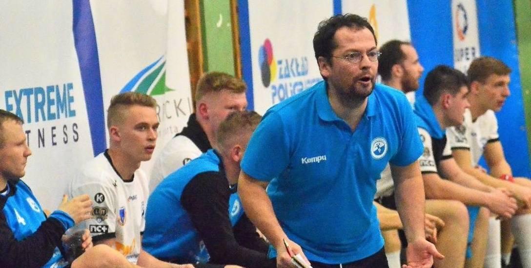 Trener Tomasz Sondej, który od lat pracuje nie tylko z pierwszą drużyną SPR Stali Mielec, ale również z zespołami młodzieżowymi juniorskimi, będzie opiekunem
