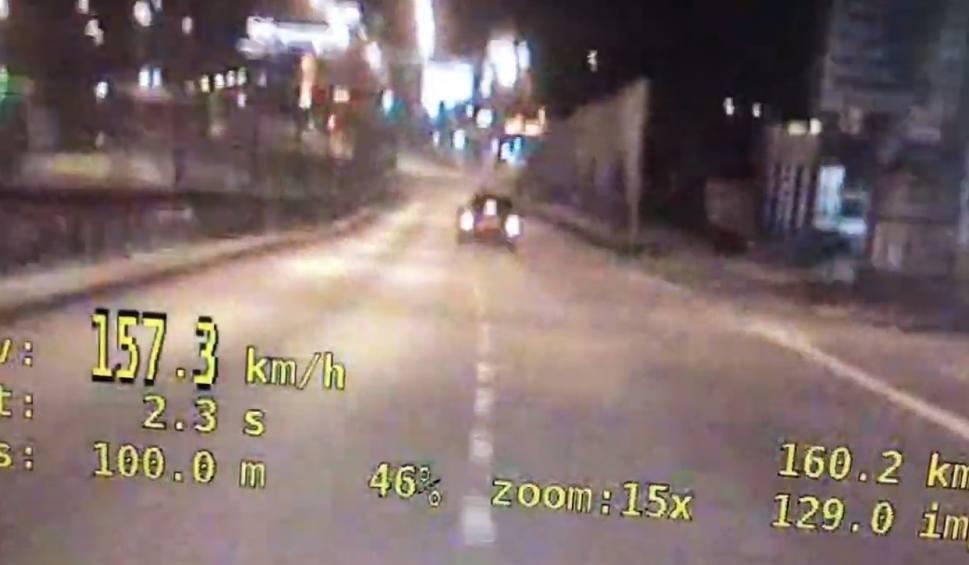 Film do artykułu: W Wejherowie audi jechało z prędkością prawie 160 km/h. Kierowca stracił prawo jazdy [WIDEO]