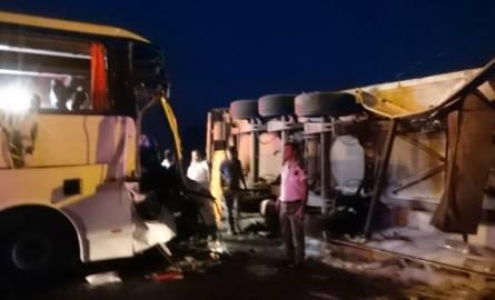 Wypadek Polaków w Turcji. Autobus uderzył w TIRa