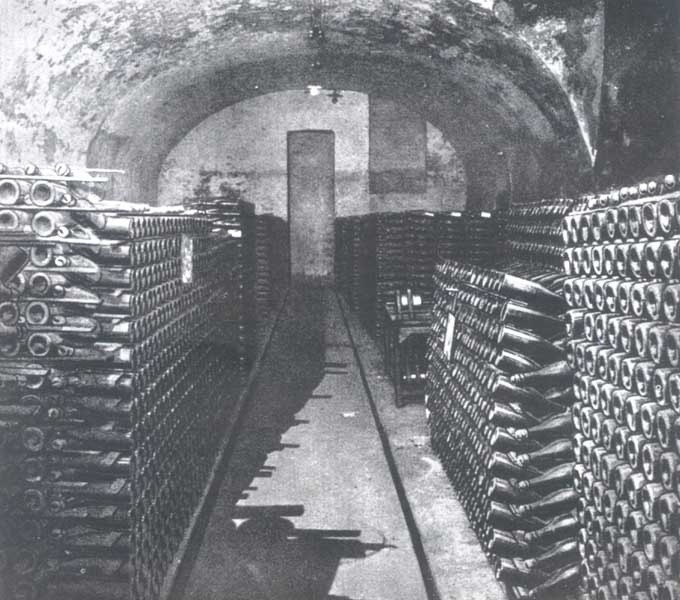 Piwnice Gremplera, w których produkowano zielonogórski szampan