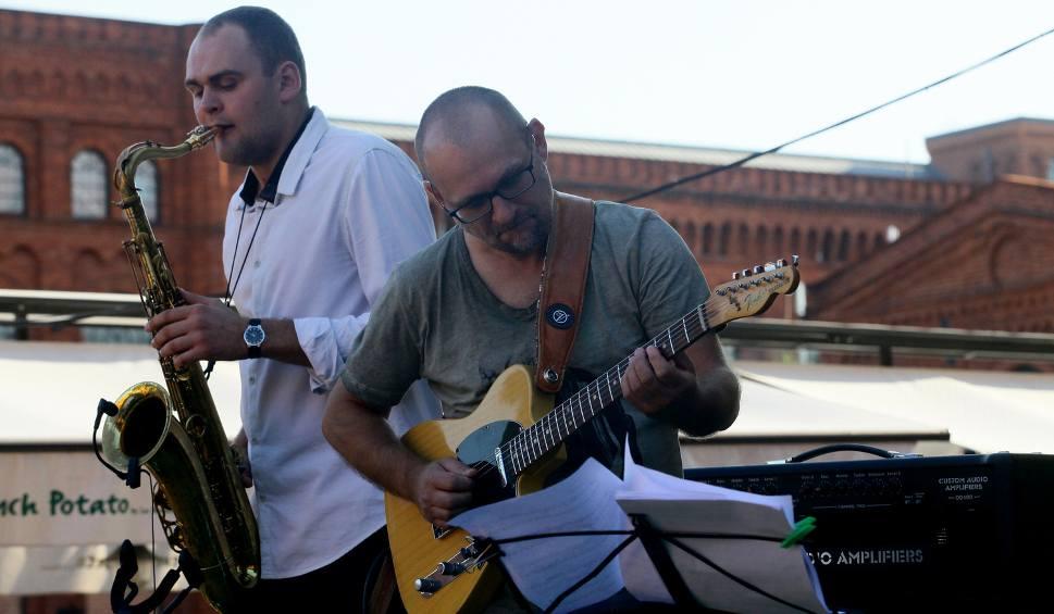 Film do artykułu: Artur Lesicki zagrał na zakończenie Manu Jazz Summer Sundays 2016 [ZDJĘCIA]
